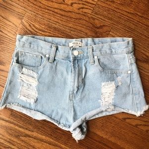 High waisted light wash Forever 21 Shorts Size 27